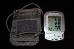 a magas vérnyomású kórházak megfigyelése