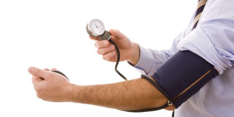 a felső nyomás hipertóniás mutatói alfa-blokkolók a magas vérnyomás elleni gyógyszerek listájához