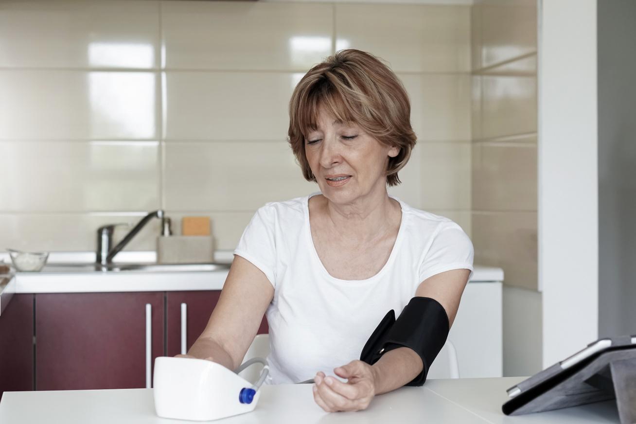 a magas vérnyomás azonnal eltűnik, ha reggel iszik