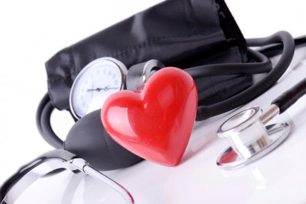 tűk magas vérnyomás-felülvizsgálatokból vörös kefe és magas vérnyomás