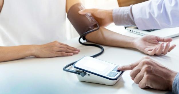 visszhangváltozások a magas vérnyomásban ehet kolbászt magas vérnyomásban